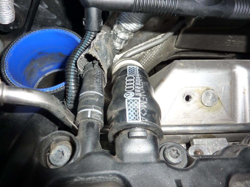 Replacing/Changing Cylinder Head Cover for 2 0 TFSi - How to Guides