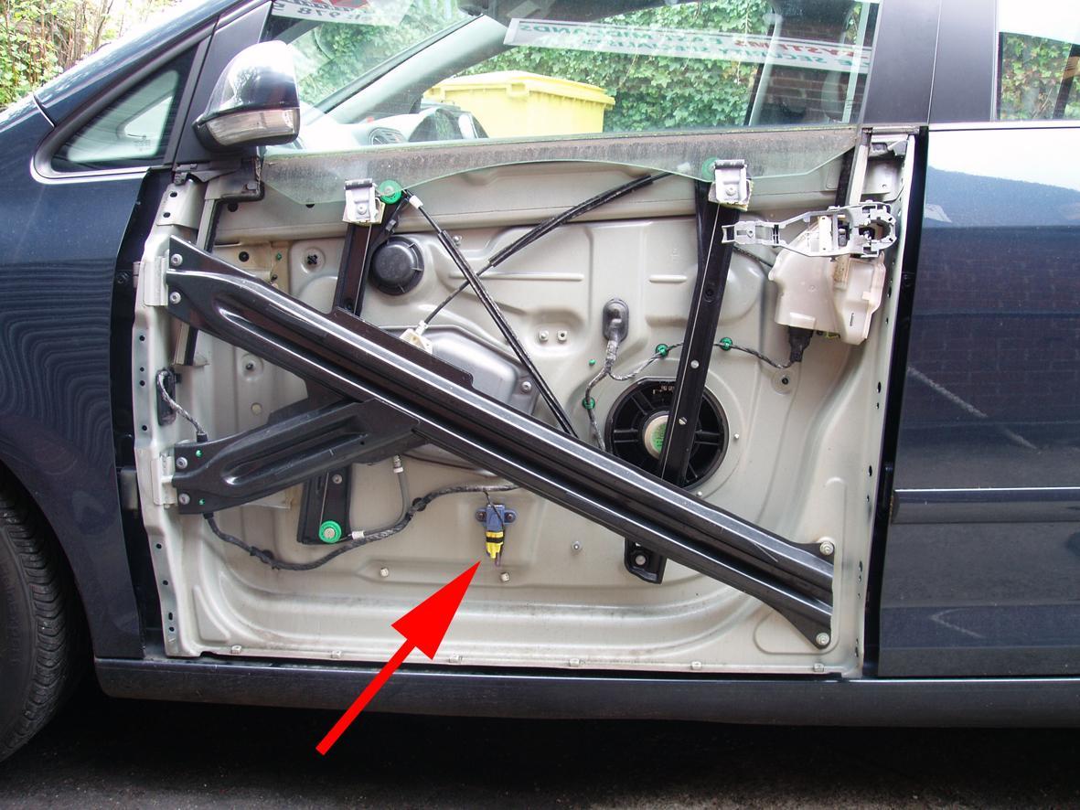 01221 crash sensor side airbag driver side g179