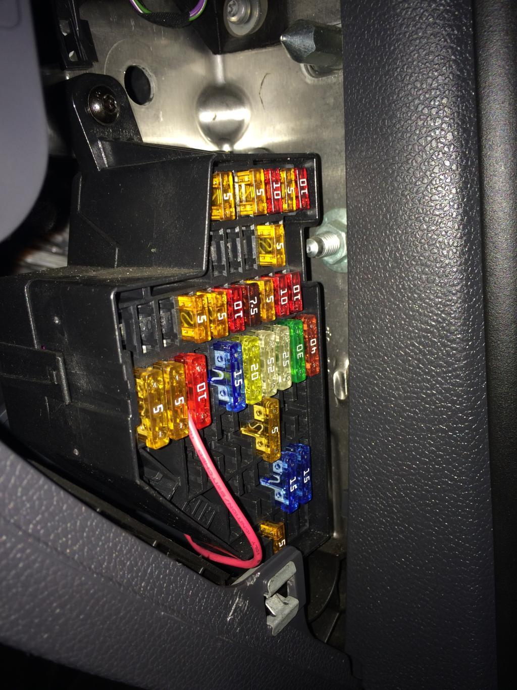 2005 Gti 2 0 Turbo Dsg - Fuse Box Pictures - Sat Nav And Car Audio
