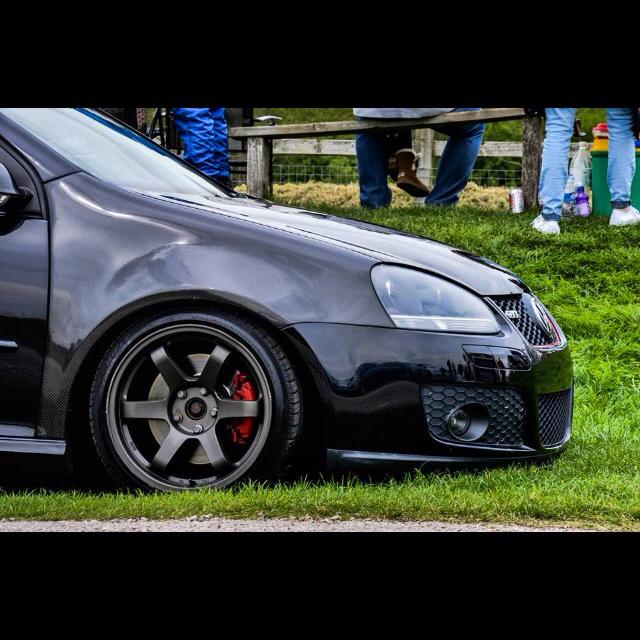 how to clean carbon mk5 gti